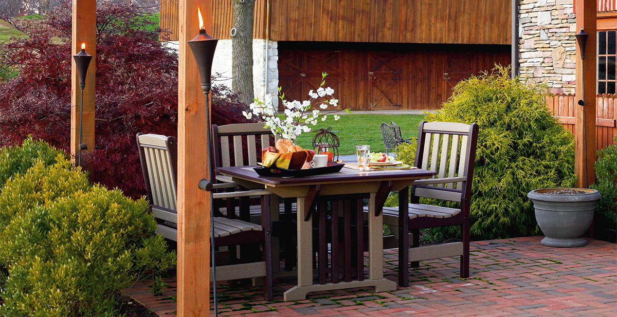 Outdoor Amish Dining