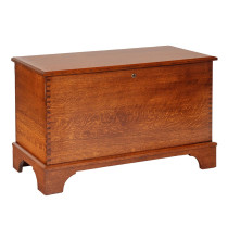 Savannah Deep Storage Chest w/ Shaker Foot - Oak